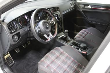 volkswagen golf vii 2 0 tsi 220ch bluemotion technology gti 12cv 5p vente achat reprise de. Black Bedroom Furniture Sets. Home Design Ideas